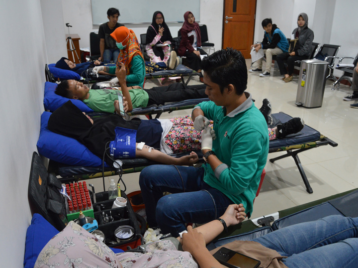 Donor Darah COMIT 2019